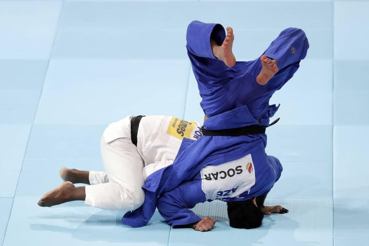 Jorge Fonseca (valkoinen) antoi kyytiä MM-välierissä Azerbaidzhanin Emlar Gasimoville