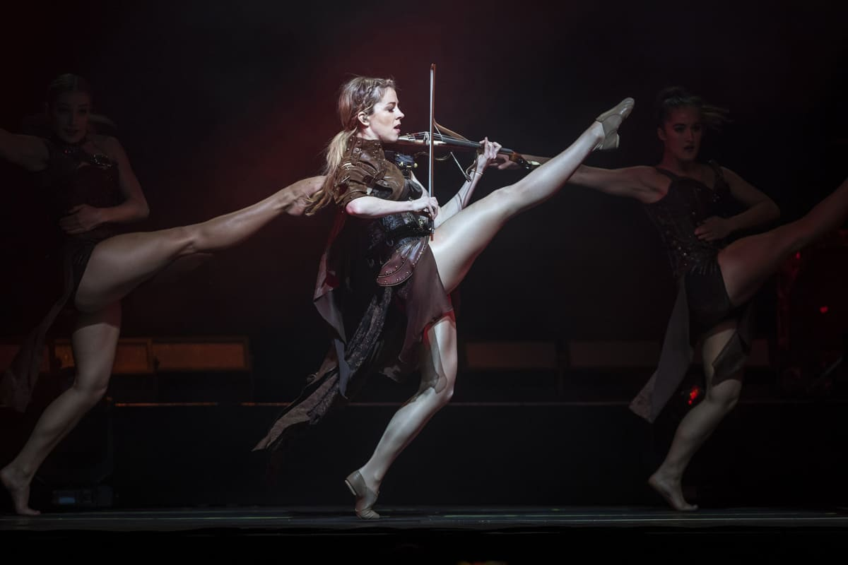 Yhdysvaltalainen viulisti Lindsey Stirling esiintyi konsertissaan Unkarin Budapestissa 7. lokakuuta.
