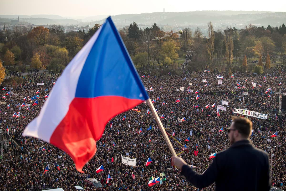 Mielenosoitus Prahassa