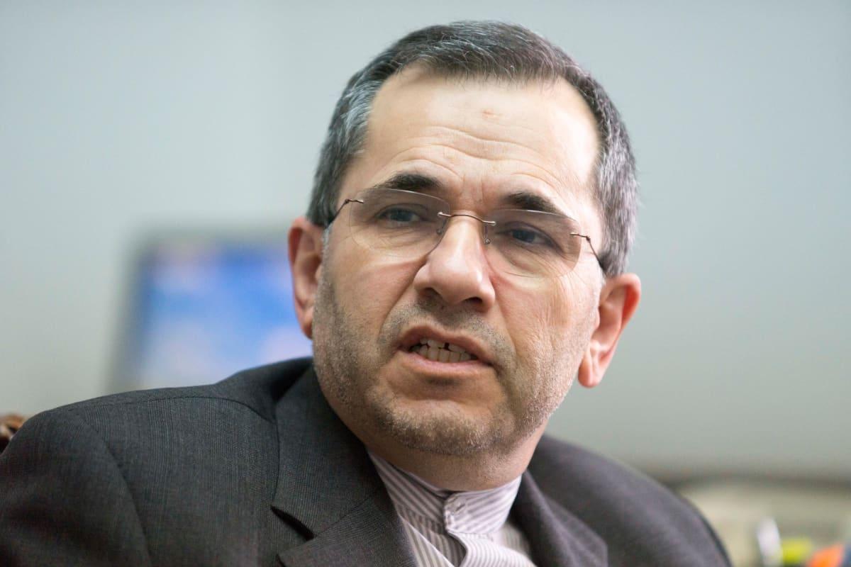 Arkistokuva. Iranin YK-lähettiläs Majid Takht Ravanchi kuvattuna Teheranissa toukokuussa 2016.