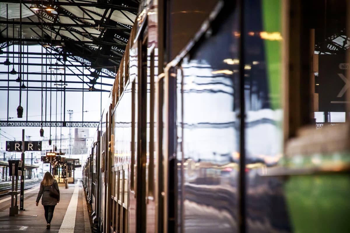 Lähes tyhjä Gare de Lyonin rautatieasema Pariisissa.