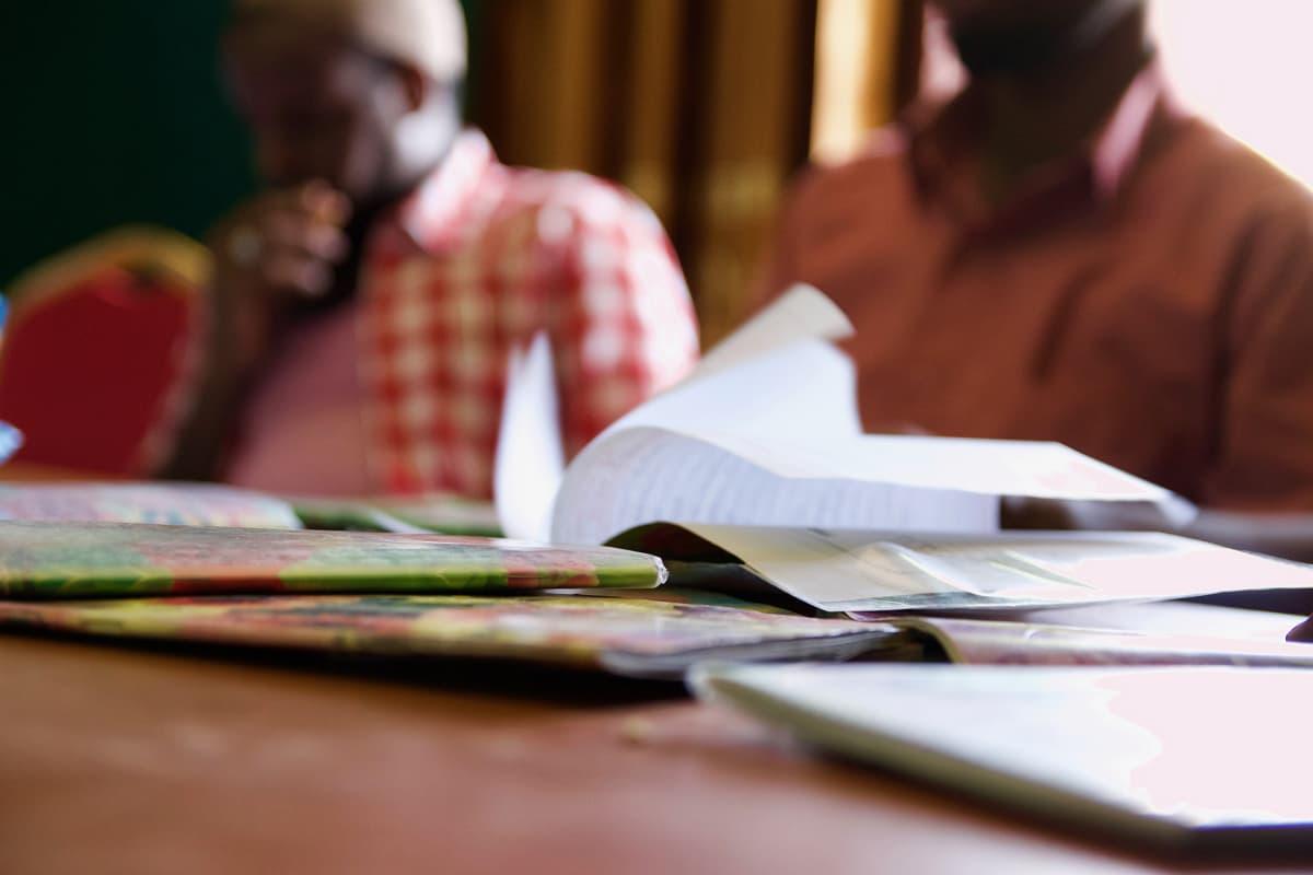 Suuri osa vangeista oli lukutaidottomia pidätyshetkellä, mutta saavat oppia kirjoittamaan ja lukemaan kuntoutusohjelmassa.
