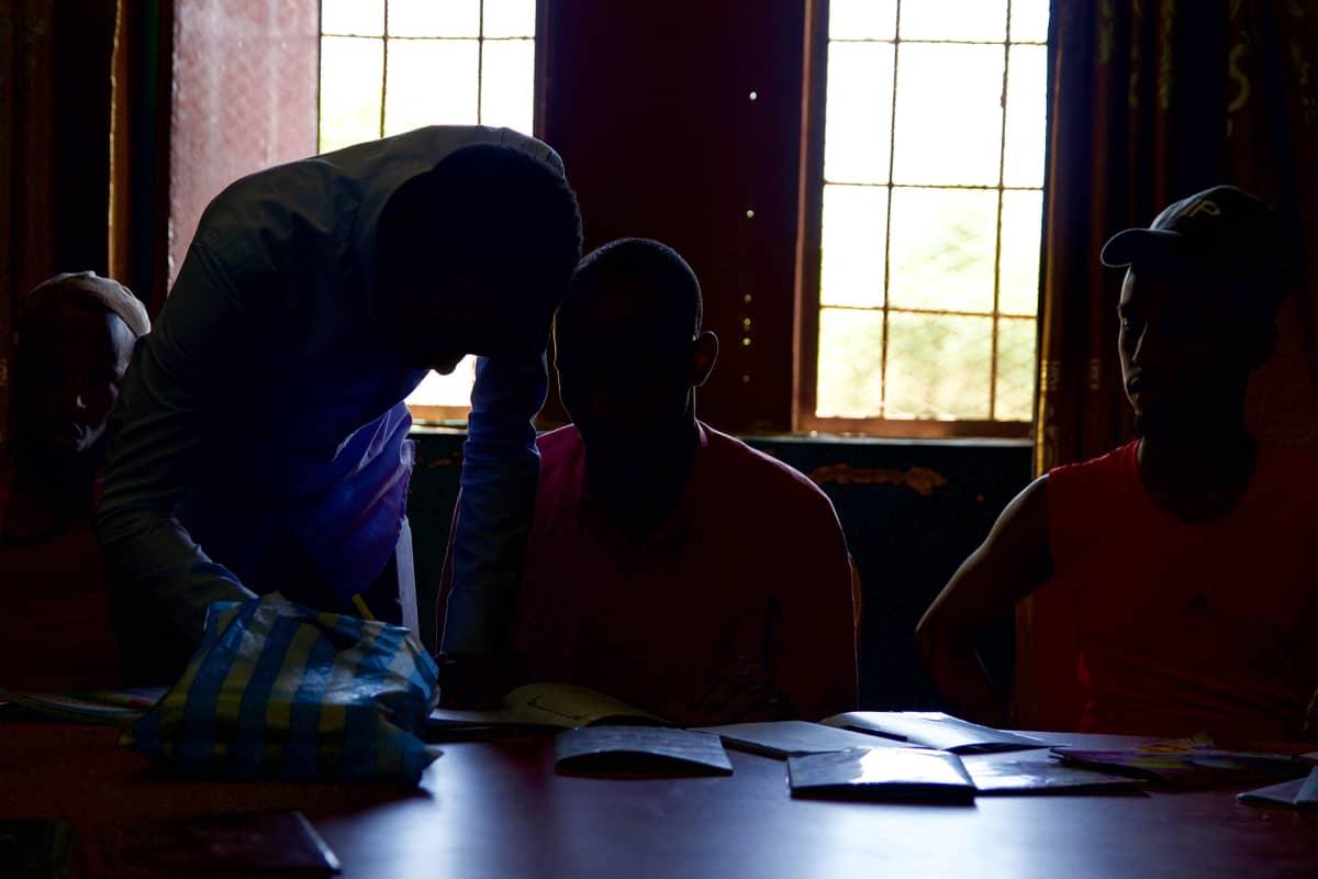Lukutaidon lisäksi vankilassa panostetaan uskonnonopetukseen radikalisoituneille nuorille.