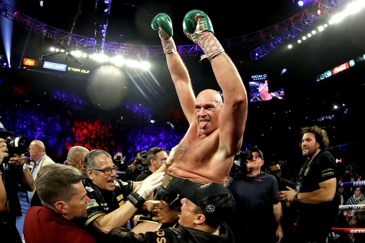 Tyson Fury tuulettaa mestaruutta.