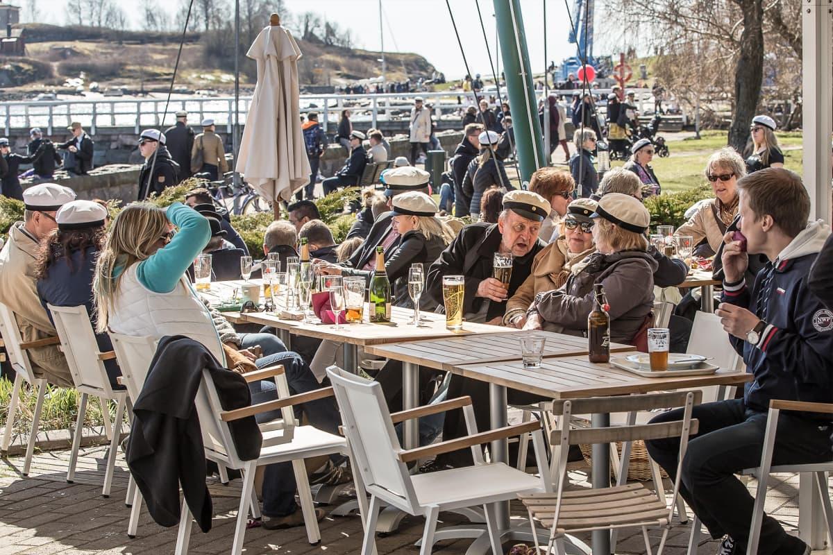 Cafe Ursulan terassi 2016