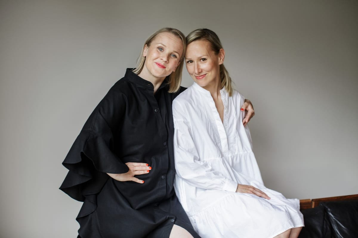Helsinkiläiset Tytti-Lotta Ojala ja Marina Lönn uskovat ystävyyden jatkuvan myös tulevaisuudessa. Heitä yhdistävät äitiyden lisäksi yhteiset mielenkiinnon kohteet.