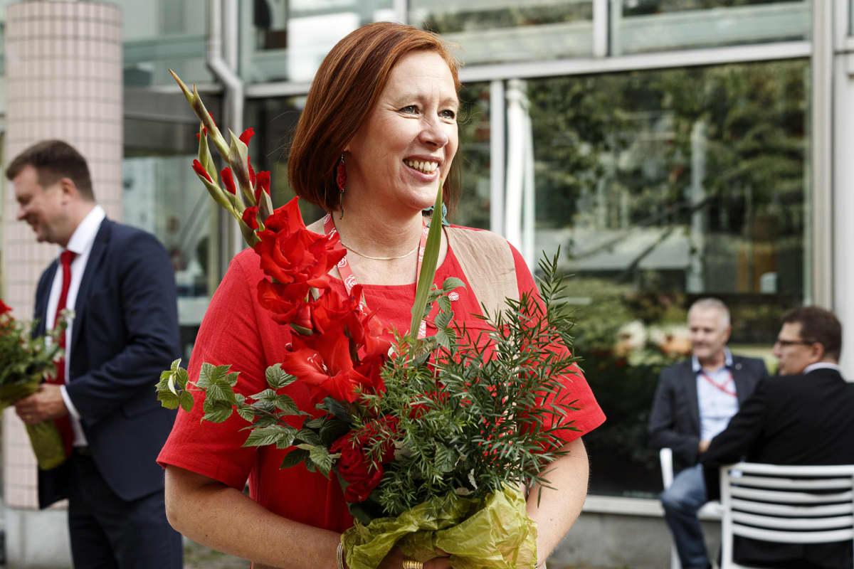 Puoluevaltuuston puheenjohtajana jatkava kuntaministeri Sirpa Paatero Suomen Sosialidemokraattisen Puolueen 46. puoluekokouksessa Tampereella sunnuntaina 23. elokuuta 2020.