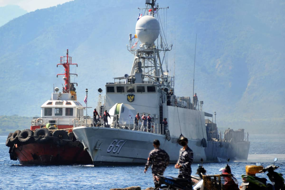 Etsintöihin osallistuvia Indonesian laivaston aluksia.