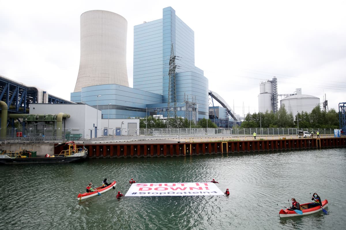 Greenpeacen ja Fridays For Futuren mielenosoitus vaati Datteln 4 -voimalan sulkemista toukokuussa 2020.