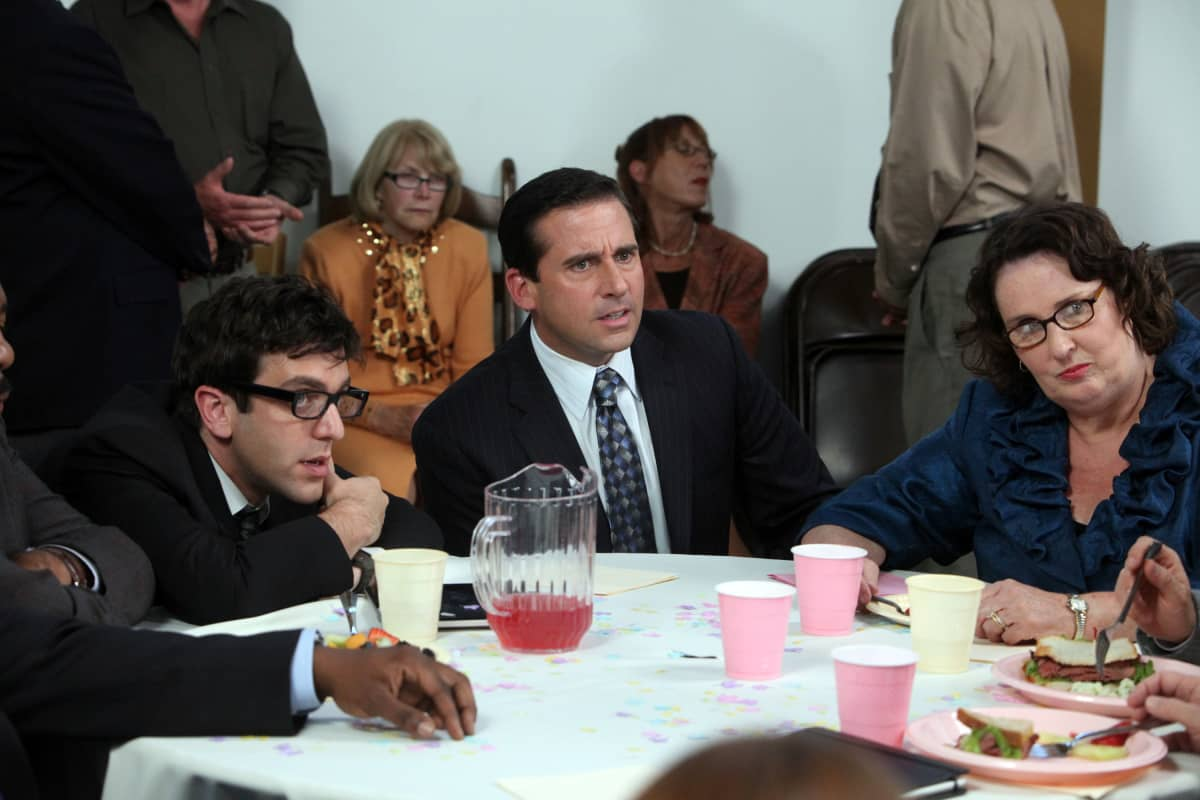 Steve Carell ja muita näyttelijöitä Office-sarjassa (suom. Konttori) vuonna 2010