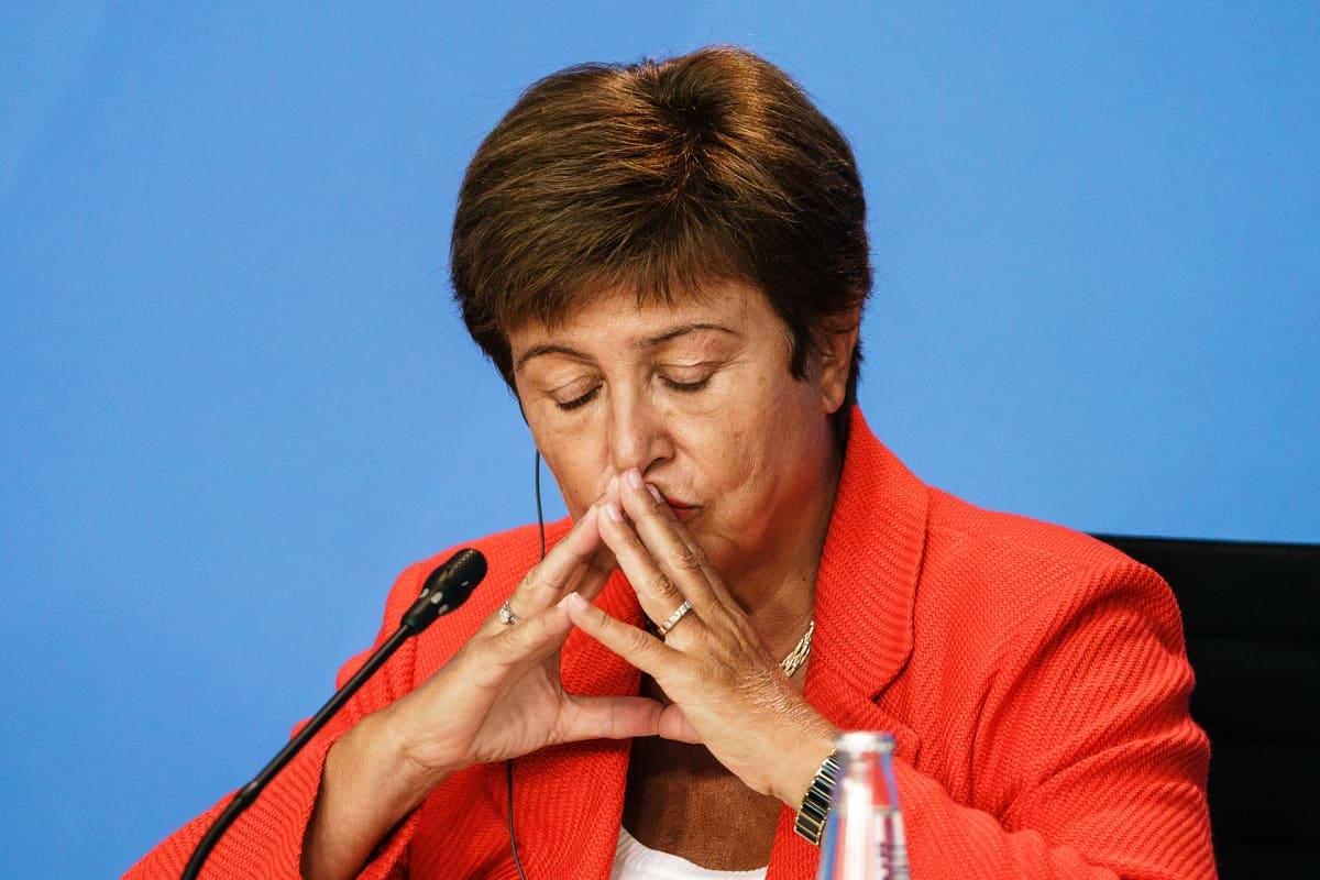 Kansainvälisen valuuttarahaston johtaja Kristalina Georgieva lehdistötilaisuudessa tavattuaan liittokansleri Angela Merkelin Berliinissä elokuussa 2021.