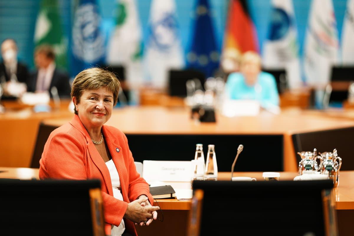 Kansainvälisen valuuttarahaston johtaja Kristalina Georgieva tapasi liittokanslseri Angela Merkelin ja talousjärjestöjen edustajia Berliinissä 26. elokuuta