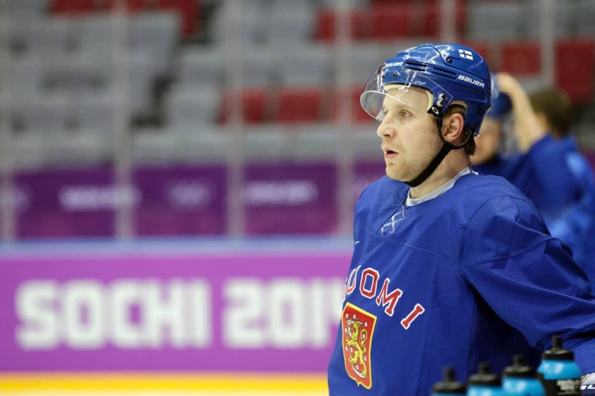 Leo Komarov harjoituksissa