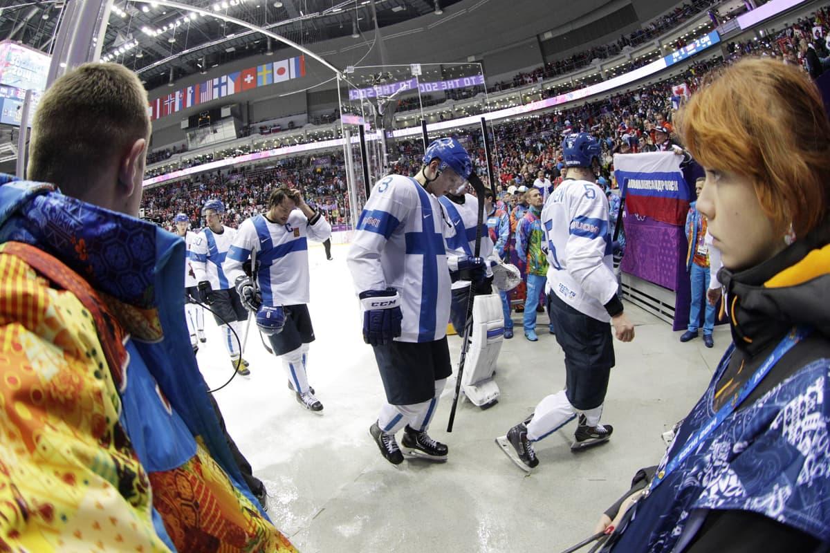 Suomi poistuu jäältä.
