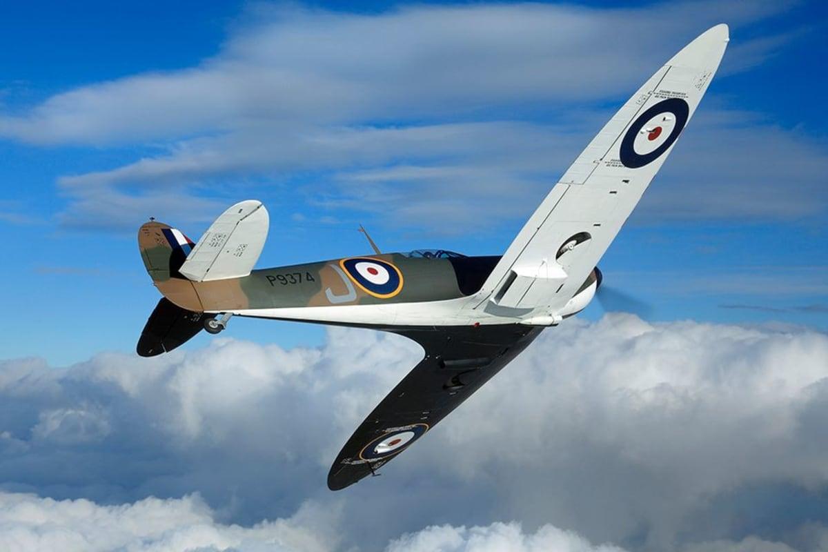 Brittihävittäjä Spitfire P9374