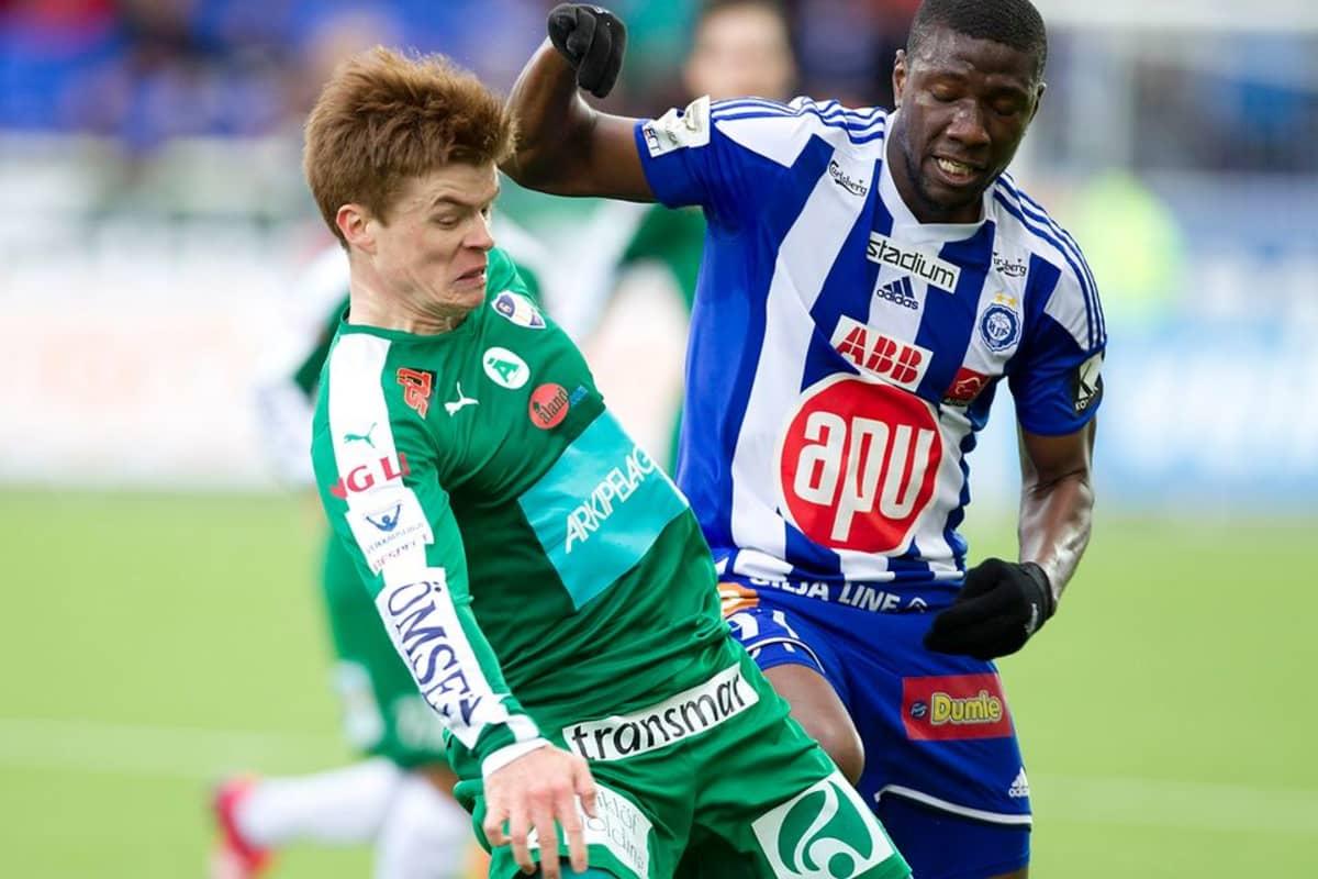 HJK ja IFK Mariehamn kentällä.