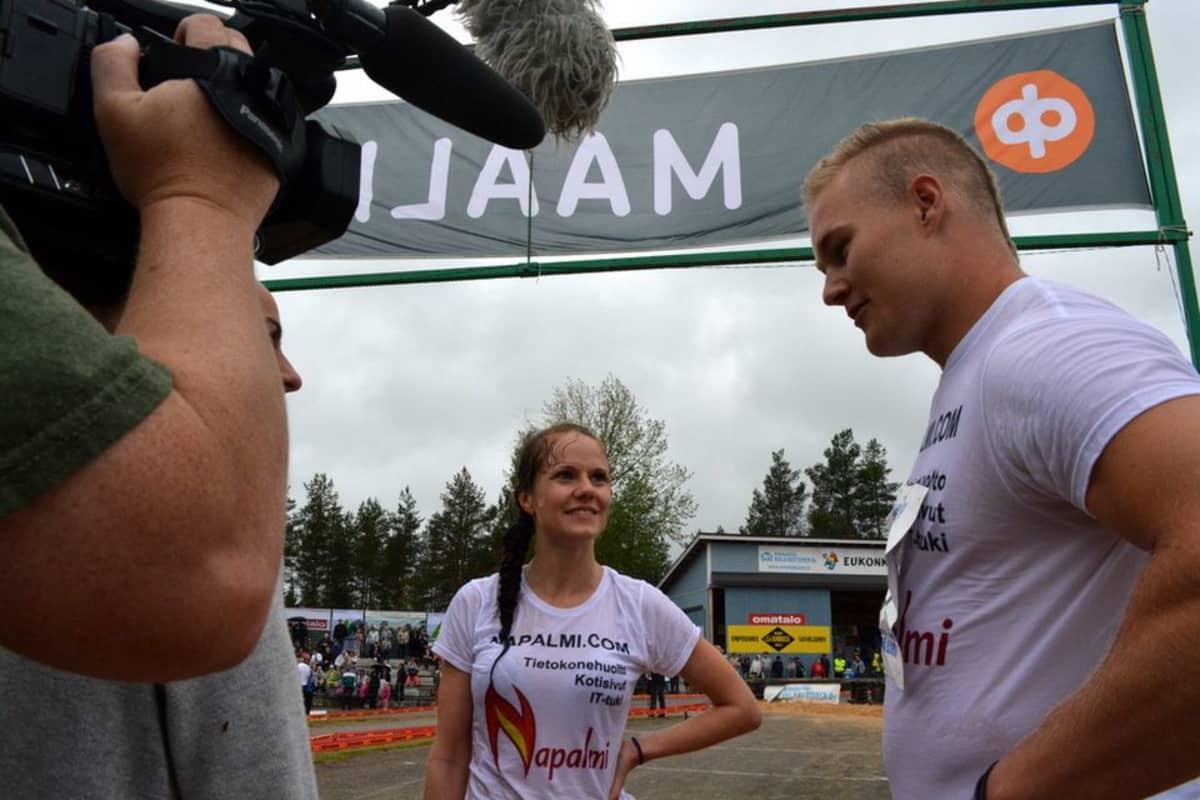 Ville Parviainen ja Sari Viljanen.