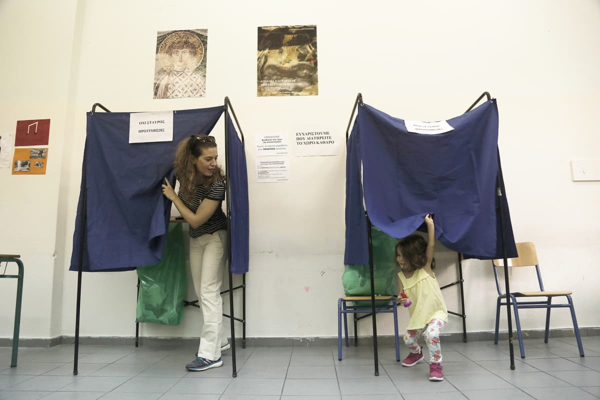 Parlamenttivaalien äänestyspäivä Ateenassa 20. syyskuuta.