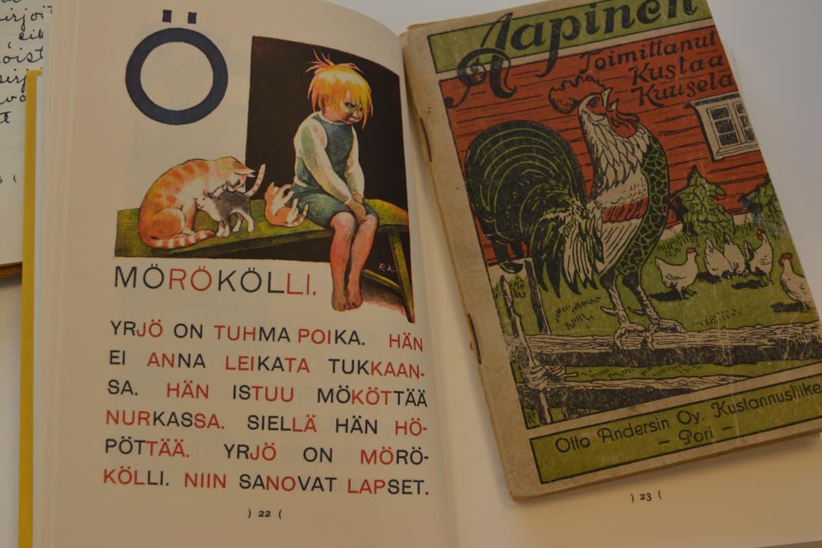 Mörökölli-runo on Aukusti Salon Meidän lasten aapisesta (1935) ja Kustaa Kuuselan toimittama Aapinen 1920-luvulta.