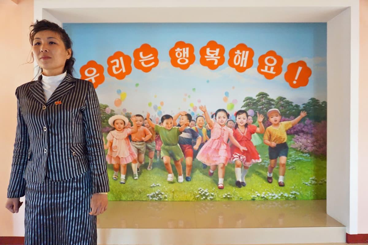 Toimittajille esiteltiin lastentarha, jossa kaiken piti näyttää täydelliseltä.
