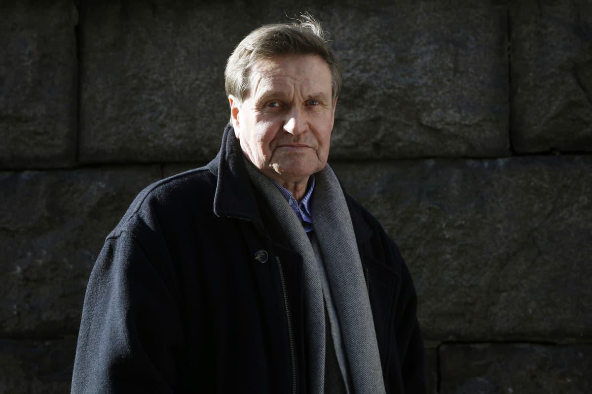 Kirjailija Hannu Mäkelä.