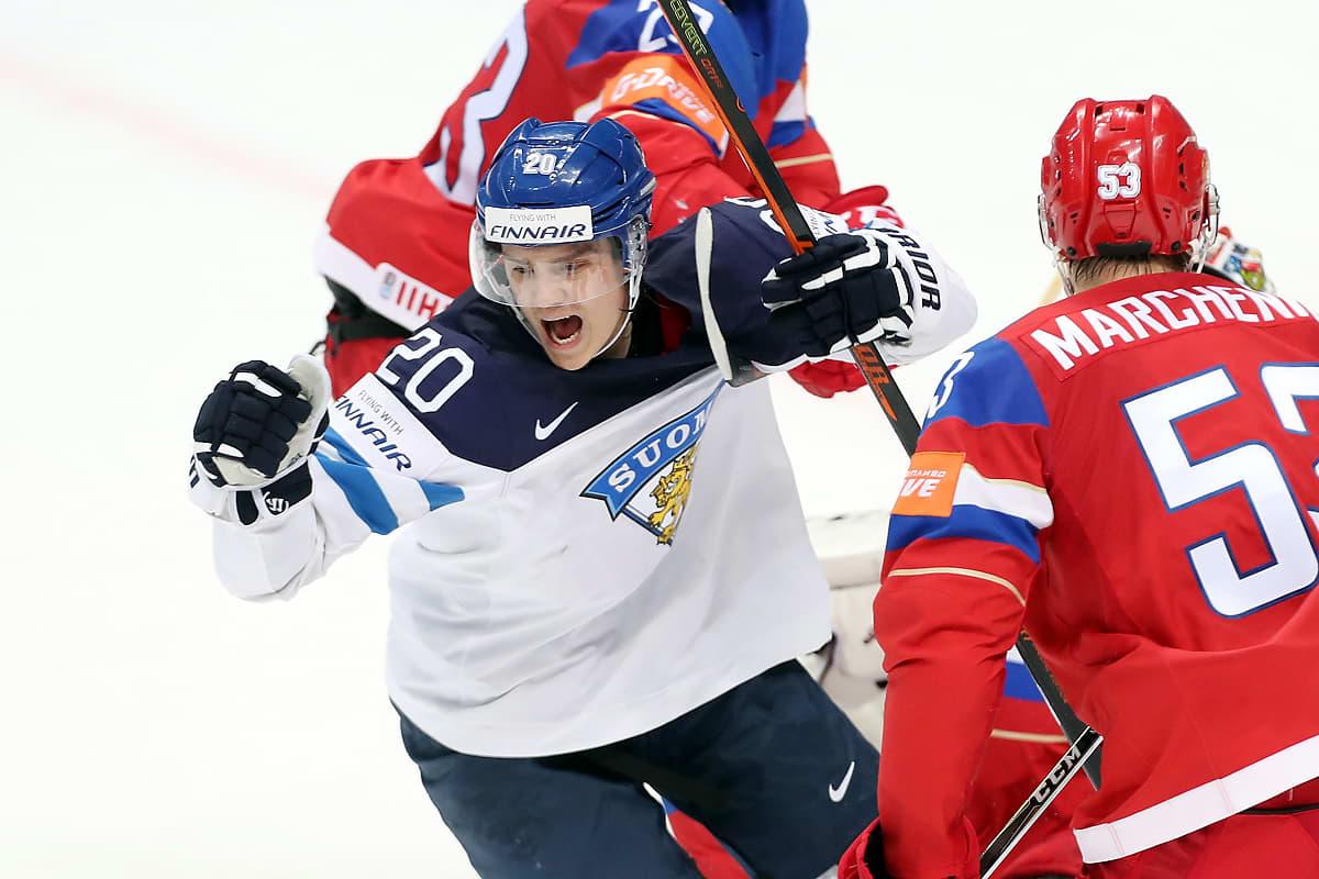 Sebastian Aho tuulettaa Venäjää vastaan