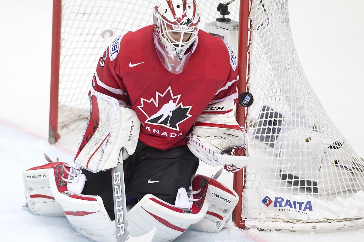 Kanadan Cam Talbot torjuu