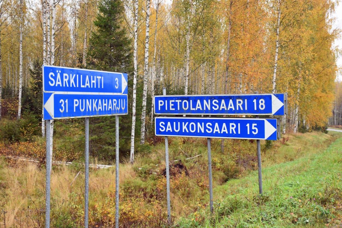 Pietolansaareen on tienviitalta matkaa 18 km.