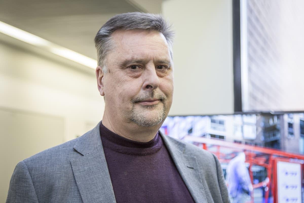 VTT:n johtava tutkija Charles Woodward.