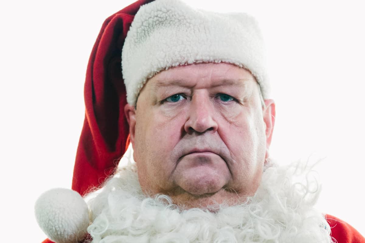 Mikko Kivinen joulupukkina.