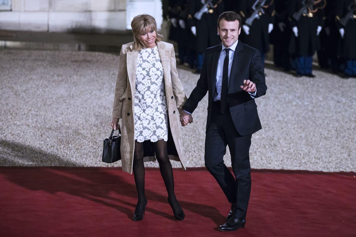 Emmanuel Macron ja Brigitte Trogneux.