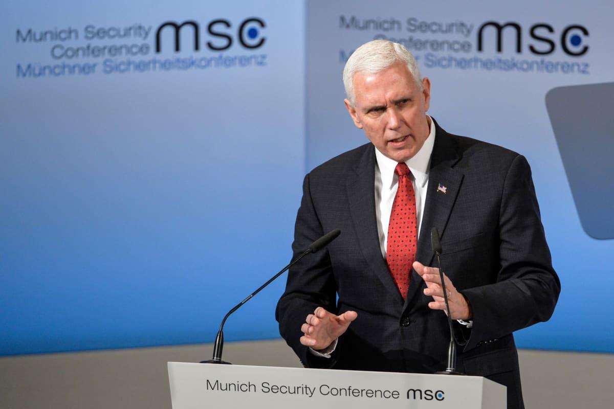 Yhdysvaltain varapresidentti Mike Pence puhui Münchenin turvallisuuskonferenssissa lauantaina 18. helmikuuta 2017.