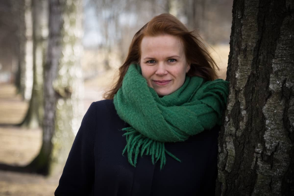 Ohjaaja Selma Vilhunen. Keppihevoset. Hobbyhorse Revolution.