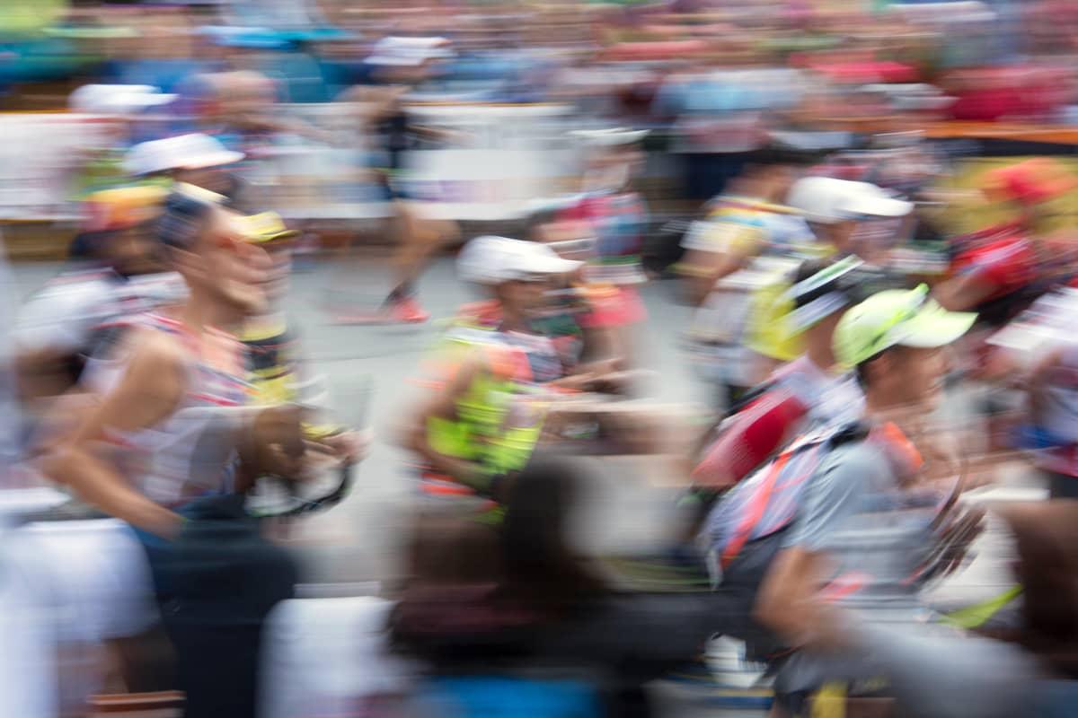 maratonin juoksijoita