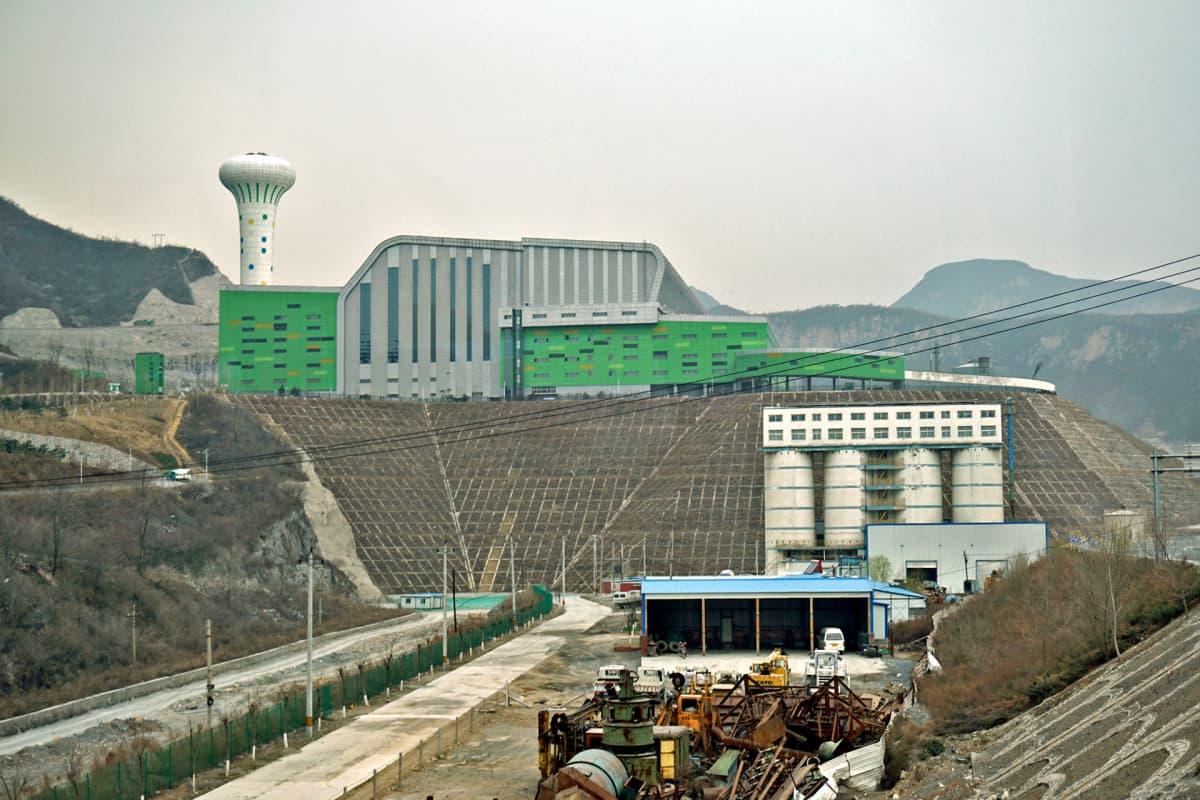 Lujiashanin jätteenpolttolaitos käsittelee kahdeksasosan Pekingin jätteistä.
