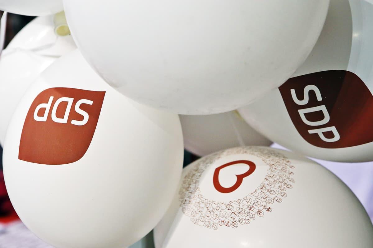 SDP:n ilmapalloja.