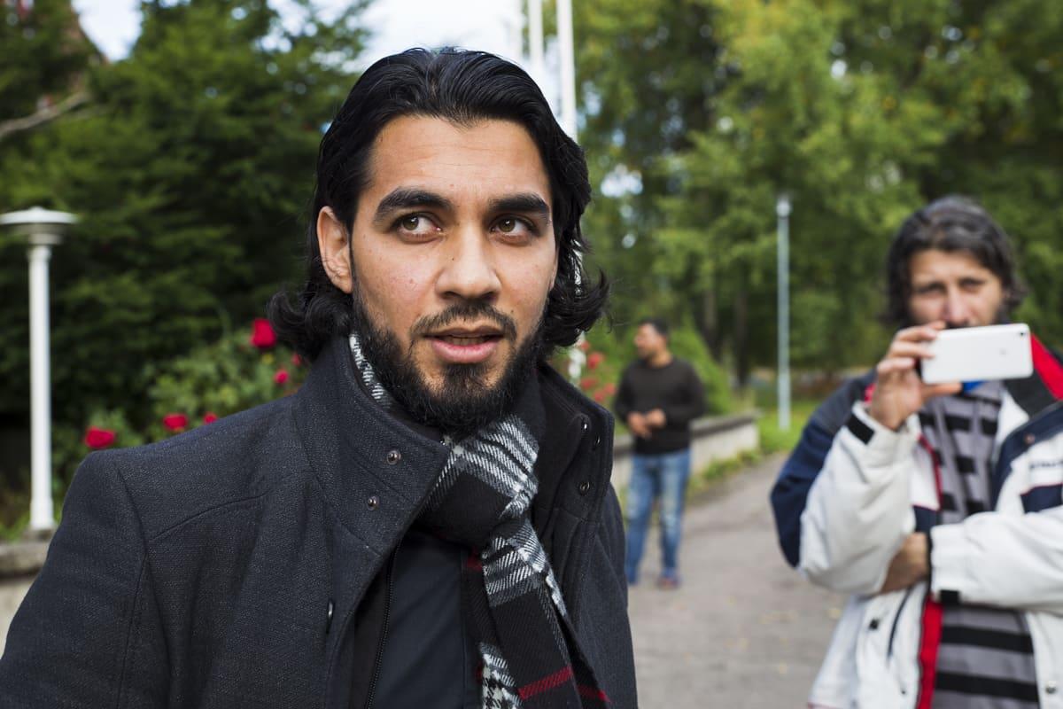 Turvapaiknhakija Yousif Hachim Kirkkonummella.