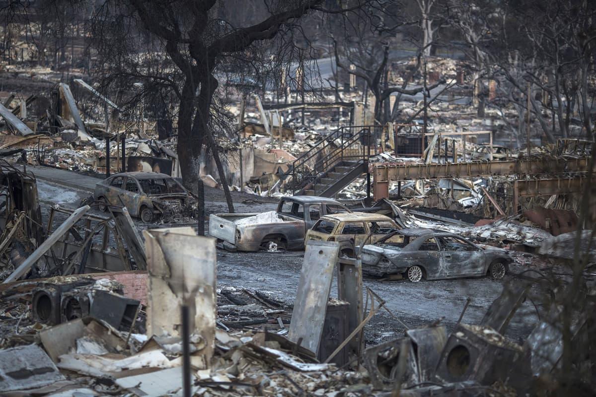 Maastopalojen tuhoja Santa Rosassa 14. lokakuuta.