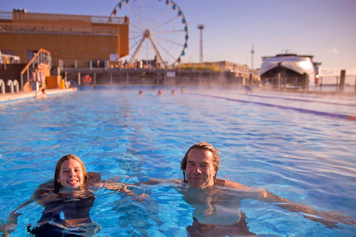 Toralf Tescher ja tytär Maria viettävät syysloman Helsingissä.