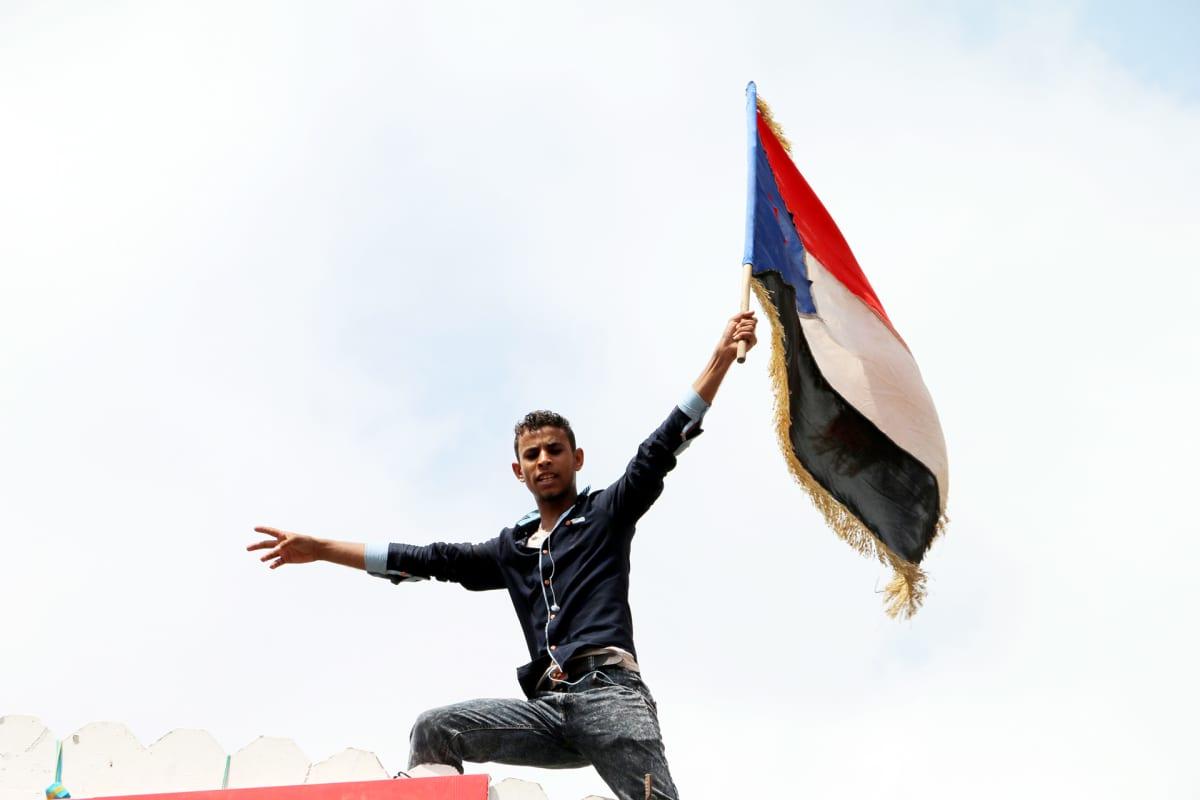 Sepratistien lippu Adenin satamakaupungissa.