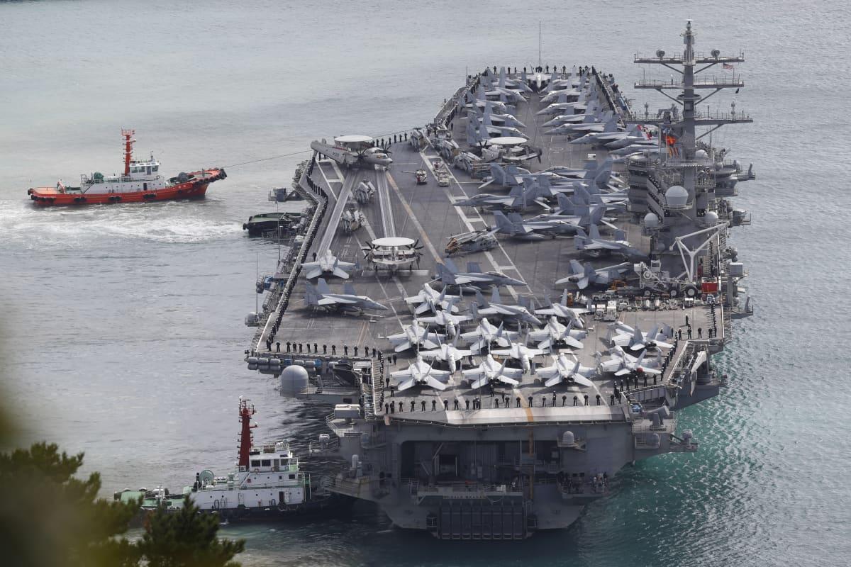 USS Ronald Reagan on yksi kolmesta sotaharjoitukseen osallistuvasta lentotukialuksesta.