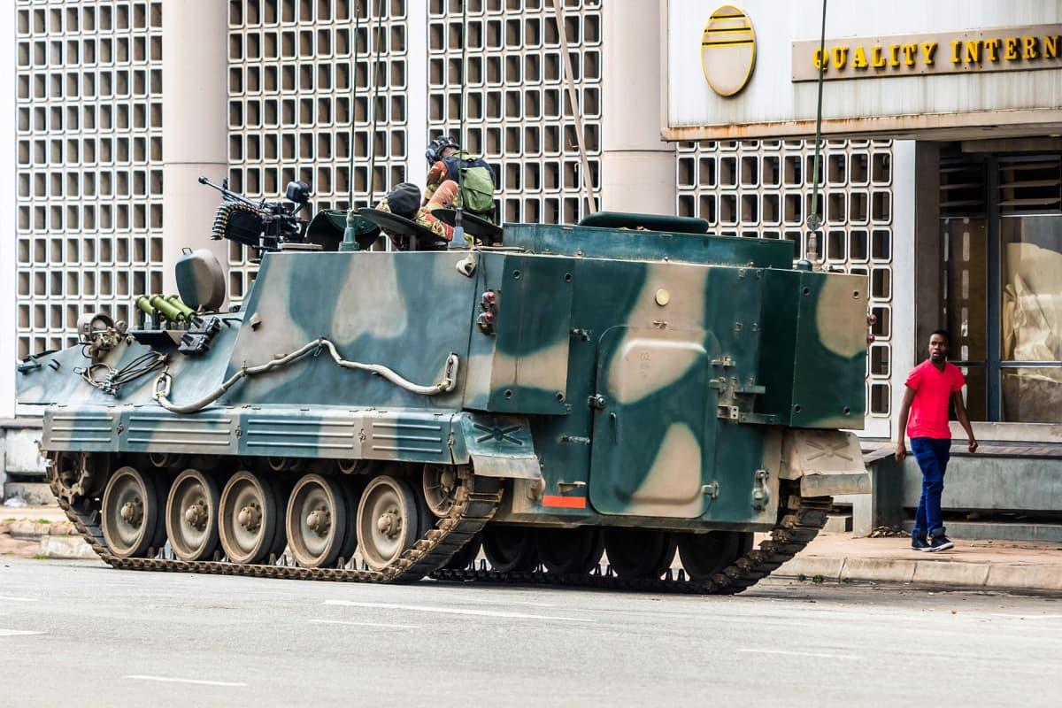 Armeijan tankki Hararessa 16. marraskuuta