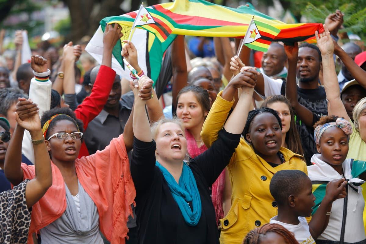 Rauhanmarssi Zimbabwen Hararessa
