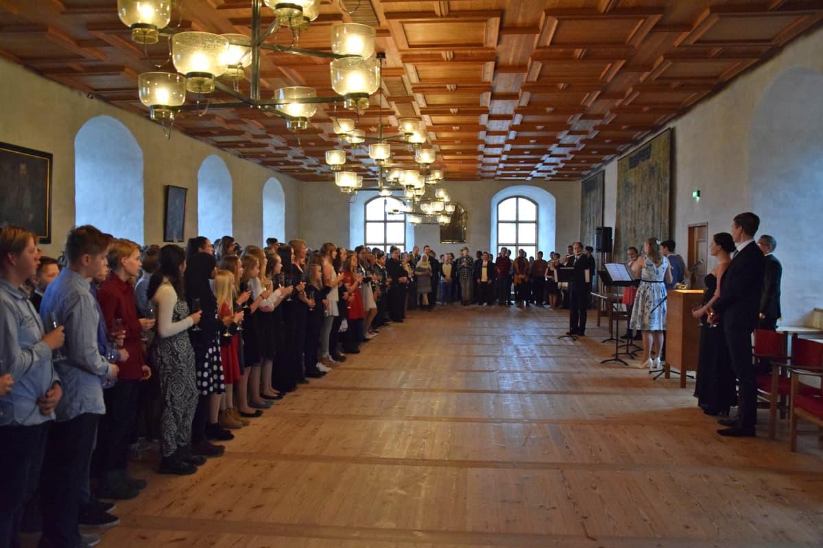 Kuudesluokkalaisten itsenäisyyspäivän juhla Turun linnassa