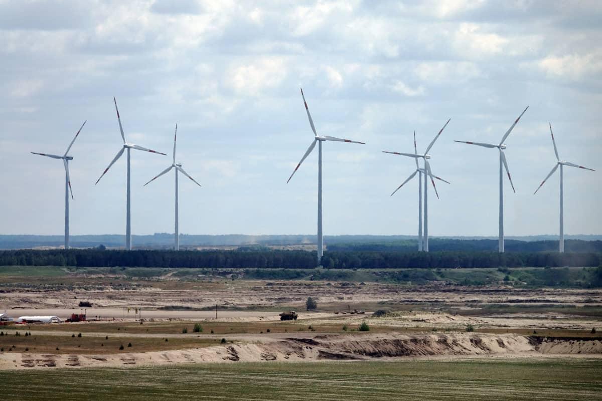 Vattenfall-yhtiön tuulivoimaloita Jänschwaldessa, Saksassa, hiilikaivoksen vieressä.