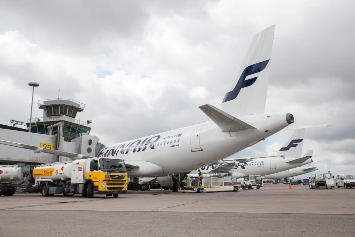 Lentokoneita Helsinki-Vantaan lentoasemalla