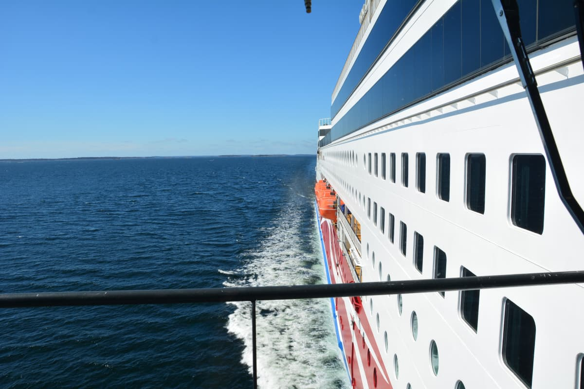 Näkymä Viking Gracen kannelta merelle.