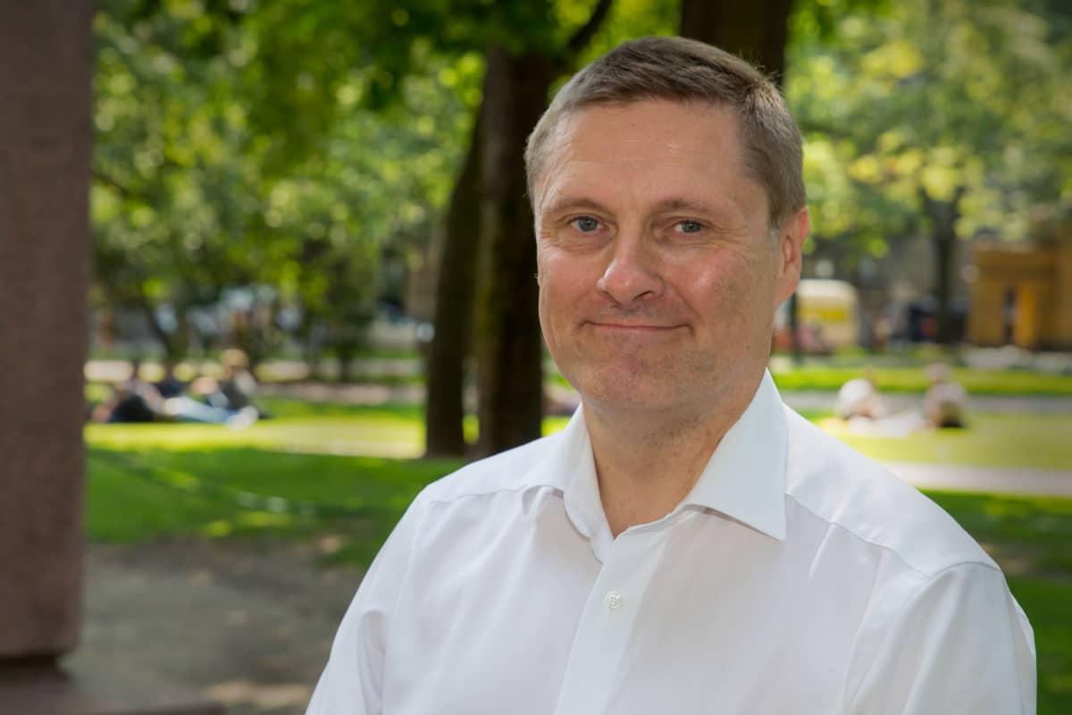 Potrettikuvassa Veronmaksajien keskusliitton toimitusjohtaja, Teemu Lehtinen.