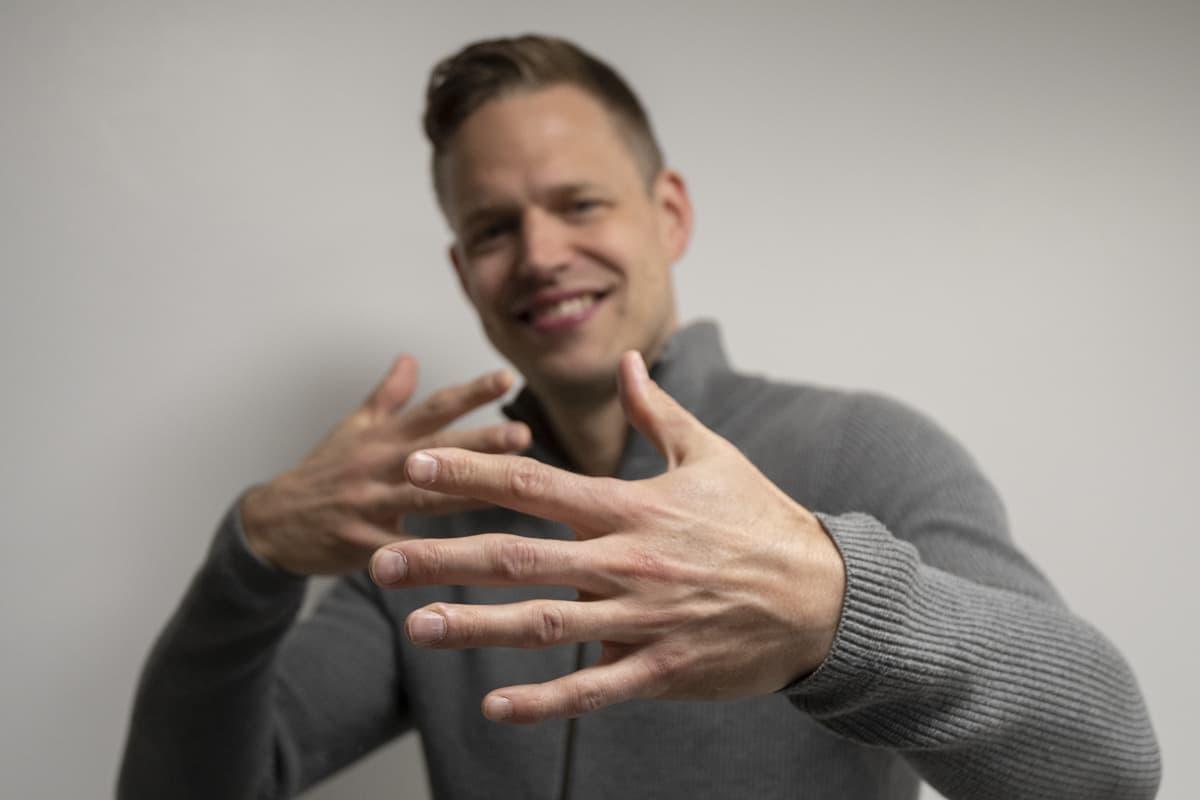 Marko Vuoriheimo, joka tunnetaan myös artistinimellä Signmark.