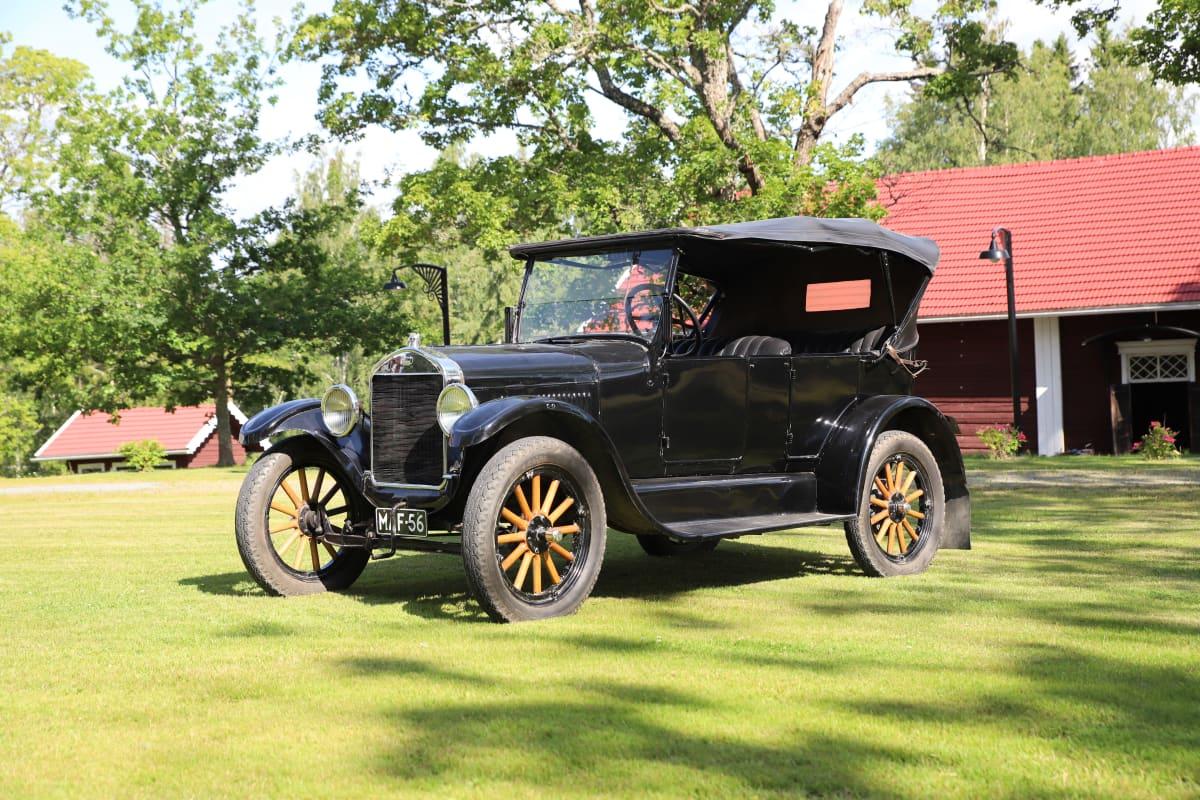 Suomessa kasattu T-mallin Ford vuodelta 1925.
